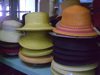 出来上がりを待つ麦わら帽子たち