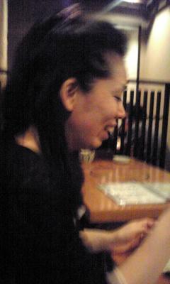 爆笑する菊永女史