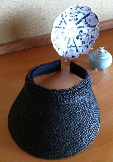 お隣はアンティークの染付の飾り皿と、深川製磁の香炉です♪