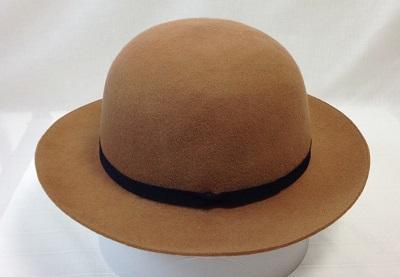 レディライクな帽子をあえてカジュアルでも♪